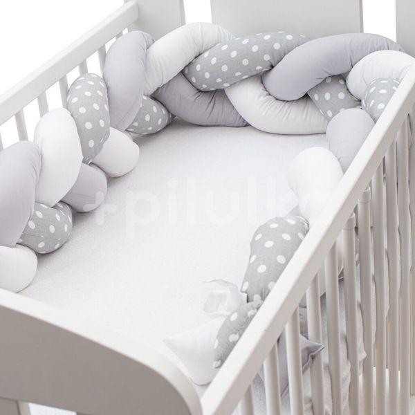 New Baby Ochranný mantinel do postýlky cop puntík šedo-bílý