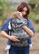 Kinder Hop Rostoucí ergonomické nosítko Multi Grow Dots Light Grey, 100% bavlna, žakár