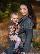 Kinder Hop Rostoucí ergonomické nosítko Multi Grow Brown Zig Zag, 100% bavlna